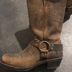 Frye 9.5 boots